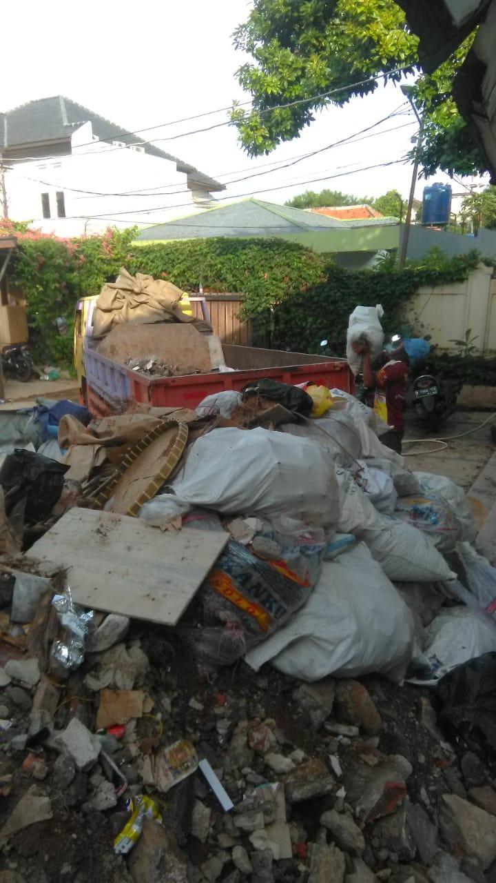 Jasa Buang Puing Jakarta Selatan Murah Bergaransi