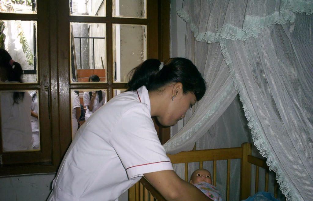 Sedia Baby Sitter Terpercaya di Jakarta Barat