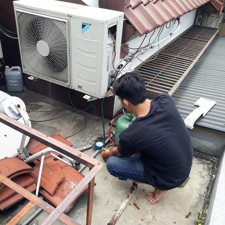 Jasa Service AC Murah Bergaransi di Padang Kota